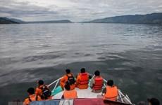 Indonesia aplica tecnología avanzada para buscar víctimas de naufragio en lago Toba