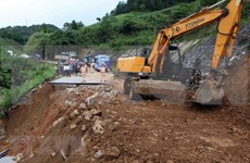 Vicepremier vietnamita recorre zonas afectadas por intensas lluvias e inundaciones