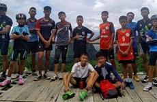 Encuentran con vida a equipo infantil de fútbol atrapado en cueva de Tailandia