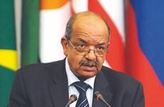Canciller argelino respalda desarrollo de nexos con Vietnam