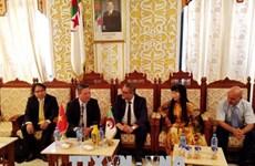 Vietnam presenta oportunidades de inversión y comercio en Argelia