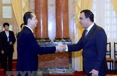 Presidente vietnamita recibe credenciales de nuevos embajadores