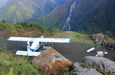 Desaparece avión con nueve personas a bordo en este de Indonesia