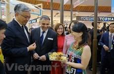 Jefes de misiones diplomáticas de Vietnam en el exterior promueven actividades comerciales e inversionistas