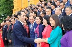 Presidente elogia aportes de jefes de misiones diplomáticas de Vietnam en el exterior