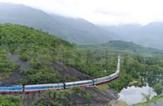 Vietnam trabaja por mejorar seguridad y capacidad del sector ferroviario