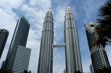 Malasia baja pronóstico de crecimiento económico