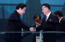 Dirigentes de las dos Coreas se reúnen con el presidente de Indonesia, Joko Widodo