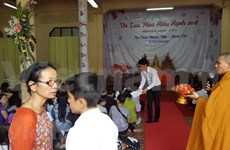 Vietnamitas en Tailandia celebran ceremonia budista de gratitud