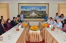 Asociaciones de amistad de Vietnam y Camboya por profundizar cooperación