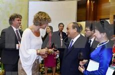 Primer ministro de Vietnam ofrece banquete por el Día Nacional