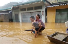 Inundaciones provocan graves pérdidas humanas y materiales en Vietnam