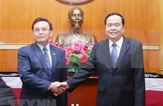 Presidente del Frente laosiano de Construcción Nacional visita Vietnam