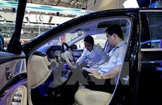 Indonesia planea reducir importaciones de coches para mantener balanza comercial