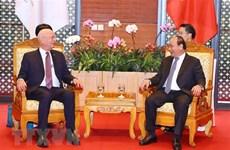 Premier vietnamita recibe al presidente ejecutivo del Foro Económico Mundial