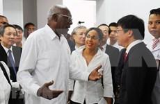 Delegación de alto nivel de Cuba visita Hospital de Amistad Vietnam- Cuba Dong Hoi