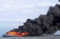 Indonesia reporta 10 muertos tras incendio de un ferry