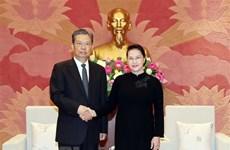 Presidenta del Parlamento de Vietnam recibe a dirigente partidista de China