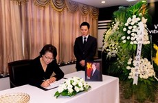 Continúan actividades de homenaje al presidente Tran Dai Quang en el exterior
