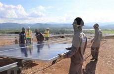 Invierten cerca de mil millones de dólares en proyectos de energía solar en provincia survietnamita