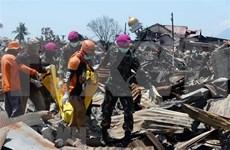 Más de mil personas permanecerían desaparecidas tras desastres en Indonesia