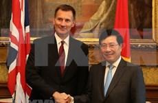 Vietnam y Reino Unido acuerdan mantener consultas sobre temas de interés común