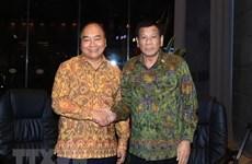 Premier vietnamita se reúne con presidente filipino en Indonesia