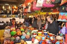Hanoi Gift Show favorece lazos entre entidades nacionales y extranjeros en producción de suvenires