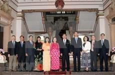 Órganos representativos de población de localidades vietnamita y china robustecen relaciones bilaterales