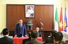 Vicepremier permanente de Vietnam dialoga con connacionales en Italia