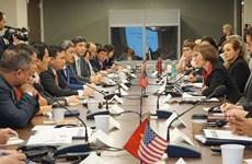 Vietnam refuerza cooperación científica- tecnológica en atención médica con socios extranjeros