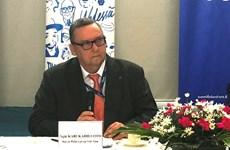 """Publican en Vietnam libro """"Iniciativas finlandesa – Razones para el actual desarrollo de Finlandia"""""""