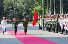 Delegación del Ejército Real de Camboya visita Vietnam