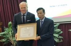 Legendario golfista Greg Norman se convierte en embajador turístico de Vietnam