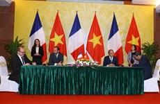 Vietnam y Francia resaltan determinación para promover vínculos