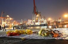 Hallan fuselaje y motores de avión de Lion Air estrellado en Indonesia