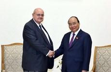 Premier de Vietnam destaca aportes del embajador saliente de Brasil