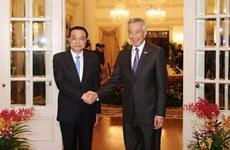Primeros ministros de Singapur y China abogan por impulsar conectividad regional