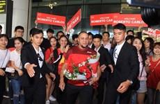 Roberto Carlos, leyenda del fútbol brasileño, de visita en Vietnam