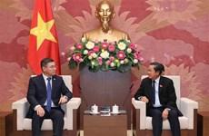 Vicepresidente del Parlamento de Vietnam recibe a secretario del Partido Nur Otan de Kazajistán
