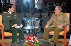 Recibe líder partidista cubano a dirigente militar vietnamita