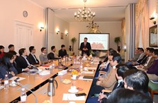 Favorecen contribución de vietnamitas residentes en exterior al desarrollo nacional