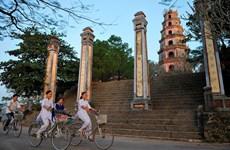 Fotógrafo francés captura la belleza de pagodas vietnamitas