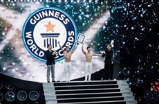 Acróbatas vietnamitas conquistan otro récord Guinness