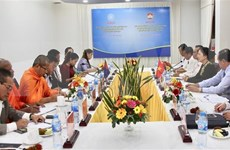 Delegación del Frente de Unidad y Desarrollo de la Patria de Camboya visita Vietnam