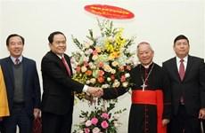 Líder del Frente de Patria de Vietnam felicita a comunidad religiosa por Navidad