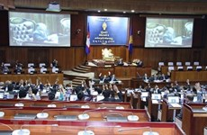 Parlamento camboyano modificó la ley para facilitar el regreso de políticos opositores