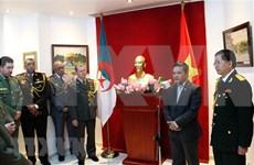 Vietnam desea profundizar cooperación en defensa con Argelia