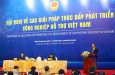 Premier de Vietnam llama a estudiar experiencias internacionales para desarrollar industria auxiliar