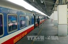 Vietnam se esfuerza para satisfacer demanda de transporte ferroviaria en días feriados de Tet